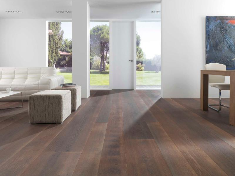 Oak engineered wood floor (PEFC-certified)